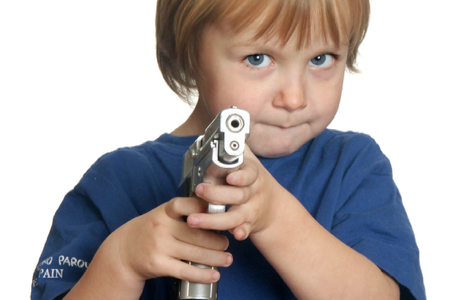 kids-shooting-gun